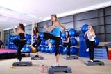 dziewczyny wkraczające w centrum fitness