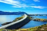 Malowniczy krajobraz Norwegii. Atlanterhavsvegen