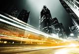 ruch w Hong Kongu w nocy