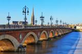 Most rzeczny Bordeaux z katedry St Michel