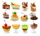 Kolekcja delicous deser odizolowywający na bielu