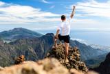 Szlak biegacza sukces, człowiek działa w górach