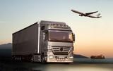 Transport ciężarówką, samolotem i statkiem