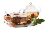 Kwitnąca herbata odizolowywająca na białym tle