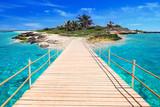 Molo na tropikalnej wyspie Morza Karaibskiego