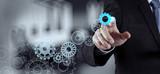 ręka biznesmen rysuje narzędzi do sukcesu