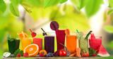 Świeży sok owocowy, zdrowe napoje.