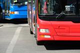 Autobusy w ruchu