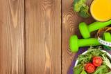 Dumbells, miara i zdrowe jedzenie. Fitness i zdrowie