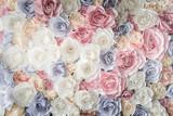 Tło kolorowe papierowe róże
