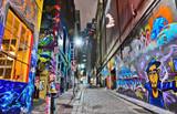 Widok kolorowa graffiti grafika przy Hosier pasem ruchu w Melbourne