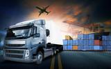 kontenerowiec, statek w porcie i samolot transportowy w transpo