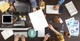 Ludzie biznesu Pracuje na Biurowym biurku