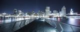 chodnik nad wodą w nocy w San Francisco