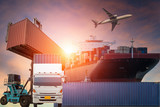 Kontenerowiec, statek w porcie i towarowy samolot cargo w transporcie i importowo-eksportowy logistyka handlowa, branża żeglugowa
