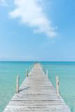 Drewniany most do oceanu