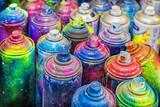 używane puszki farby w sprayu