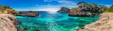 Wyspa dekoracje, seascape Hiszpania Majorka, plaża zatoka Cala s'Almunia, piękne wybrzeże Morza Śródziemnego