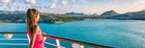 Statek wycieczkowy turysta kobieta podróż Karaiby wakacje transparent. Panoramiczna uprawa dziewczyna cieszy się zmierzchu widok od łódkowatego pokładu opuszcza port Basseterre, St Lucia, tropikalna wyspa.