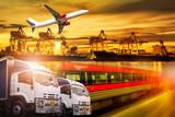 Logistyka i transport kontenera Port cargo z działającym logistycznym importem i eksportem z samolotem i pociągiem