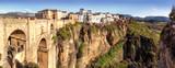 Nowy most i klify wąwozu El Tajo, Ronda, Hiszpania