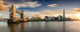Linia horyzontu Londyn przy zmierzchem: od wierza mosta Londyn most