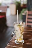 Wapno imbirowa herbata w szkle