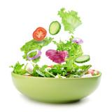 Świeża mieszana warzywo sałatka w pucharze
