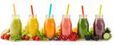 Zdrowe koktajle ze świeżych owoców ze składnikami