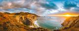 Kalifornia centrali wybrzeże z Bixby mostem przy zmierzchem, Duży Sura, Kalifornia, usa