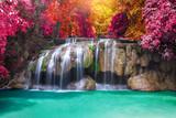 Wodospad głębokiego lasu deszczowego dżungli