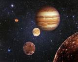Planeta Jowisz i jego satelity w kosmosie. Jowisz jest piątą planetą od Słońca i największą w Układzie Słonecznym. Elementy tego obrazu dostarczone przez NASA
