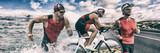 Triathlon sport banner człowiek działa, pływanie, jazda na rowerze na tle wyścigu konkurencji. Kompozytowy rower treningowy triathlonowy.