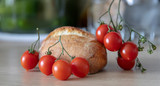 Bread with tomatoes | Chleb z pomidorami