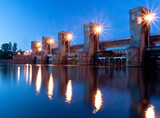 Tama i elektrownia wodna